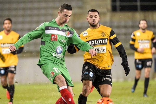 Romain Armand - CSSA (à gauche, en vert)