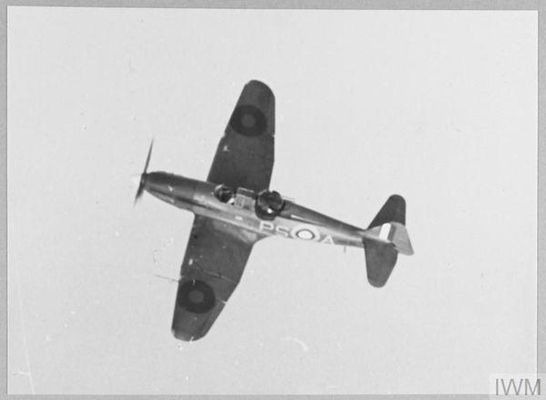 Un Boulton Paul Defiant du 264 Squadron en vol en août 1940.