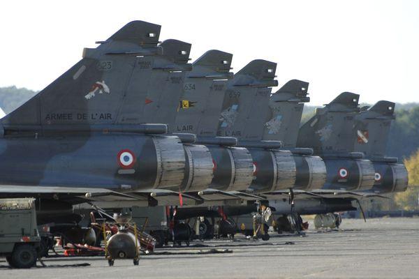 La base aérienne 116 de Luxeuil-les-Bains va perdre 220 emplois dans le cadre de la loi de programmation militaire. L'escadron de défense sol-air va disparaître en 2014.