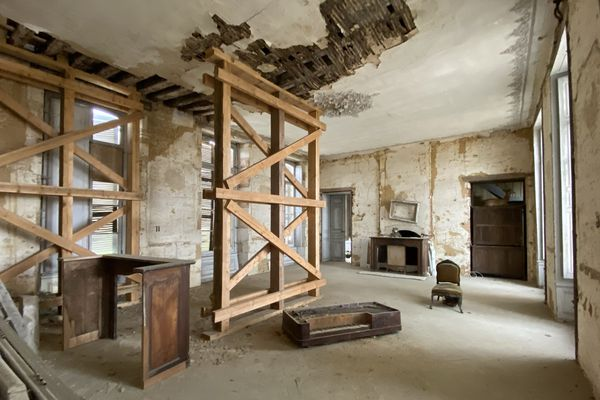 L'intérieur du château, à restaurer