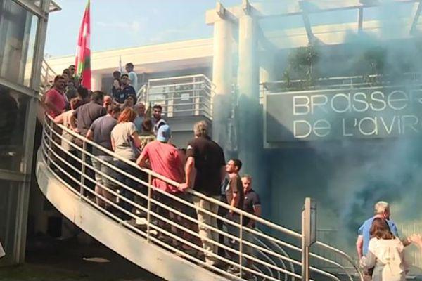 Les supporters de l'Aviron Bayonnais perturbent l'AG du club