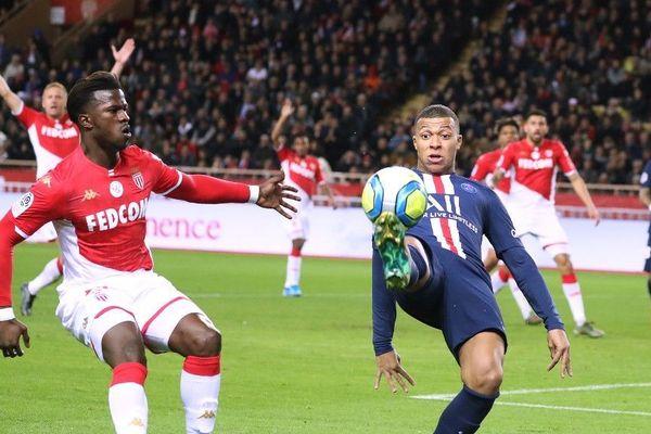 L'attaquant du PSG, Kylian Mbappé a lancé son association « Inspired by KM », hier soir porte de Bagnolet.