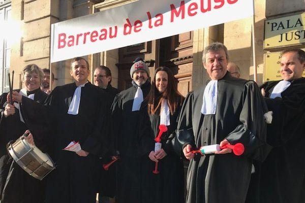 Lundi 20 janvier 2020, à l'occasion de l'audience solennelle de rentrée du Tribunal Judiciaire de Verdun, les avocats du barreau de la Meuse ont exprimé leur opposition à la réforme des retraites.