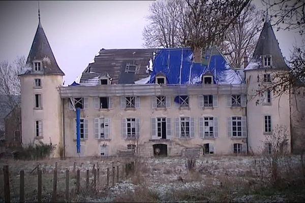 Le château de la Rochepot est à l'abandon depuis 10 ans.