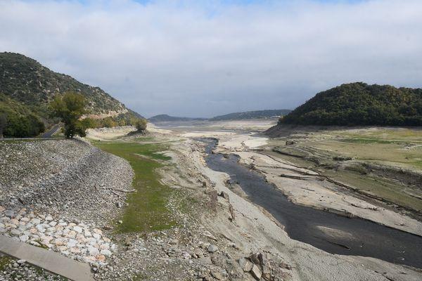 Illustration du fleuve de La Têt dans les Pyrénées-Orientales en novembre 2020.