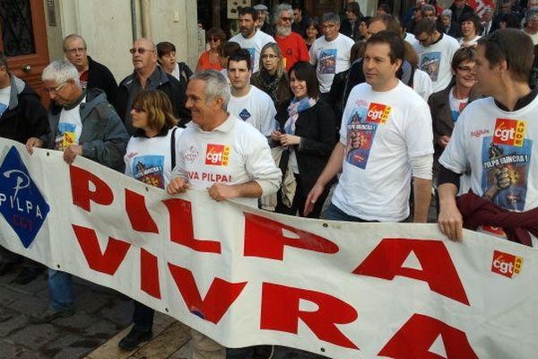 Carcassonne : manifestation du 1er mai, le défilé des Pilpa dans les rues de la ville - 2013.