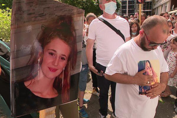 Le suspect de 41 ans, de nationalité algérienne, est recherché par la police. L'homme est connu de la justice pour des faits de violences.