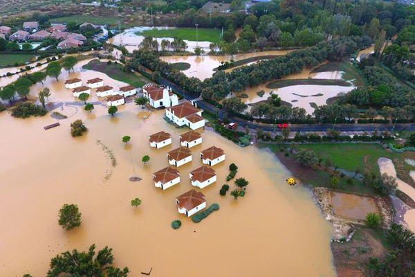 La commune de Mèze, dans l'Hérault, inondée - 14 octobre 2016