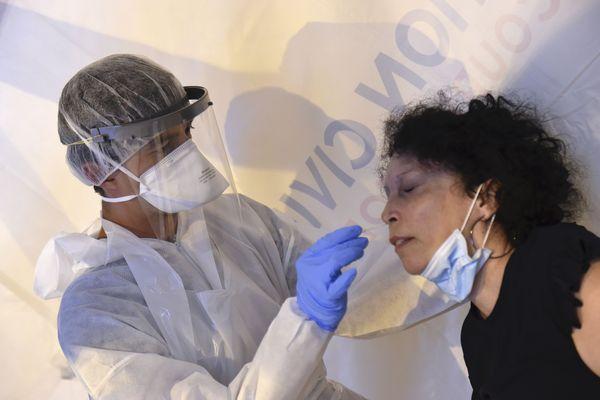 Test de dépistage du nouveau coronavirus Covid-19 en Mayenne, juillet 2020