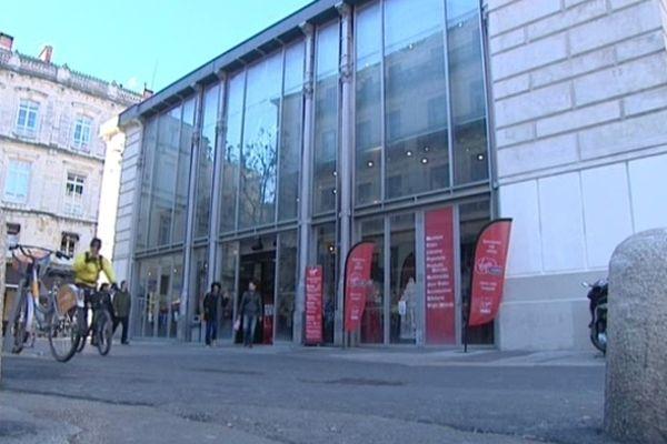 Virgin à Montpellier est installé dans les halles Castellane