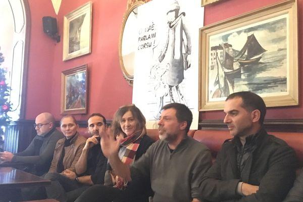 La conférence de presse a réuni l'association des enseignants de langue et culture corse et le STC educazione autour d'un thème commun : les risques encourus pour l'apprentissage de la langue corse avec la réforme du lycée.