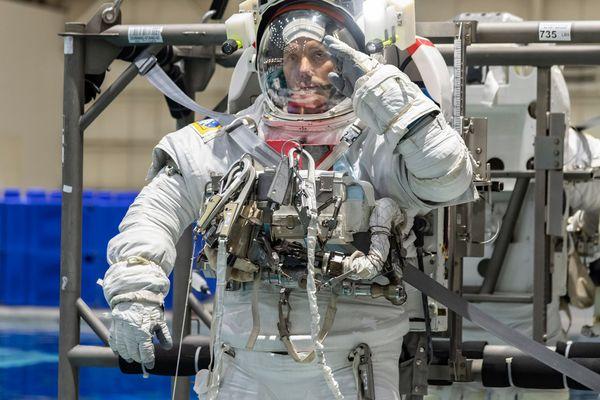 Après un séjour de huit mois dans l'ISS en 2016-2017 pour les besoins de la mission Proxima, Thomas Pesquet y retourne en avril 2021.