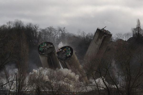 30 kg de dynamide ont été nécessaire pour détruire les silos.
