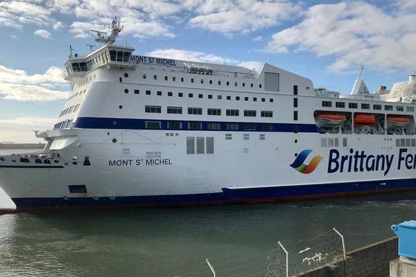 Ce lundi 29 juin, un bateau de la Britanny Ferries a embarqué pour la première fois depuis de nombreuses semaines à Ouistreham des passagers pour l'Angleterre.
