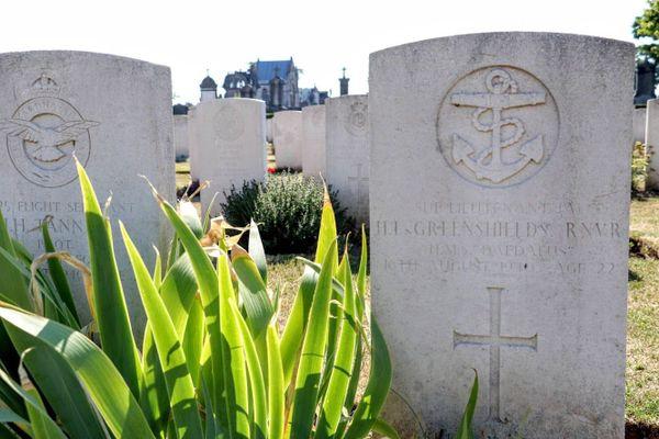 La tombe d'Henry Lafone Greenshields au cimetière Sud de Calais.