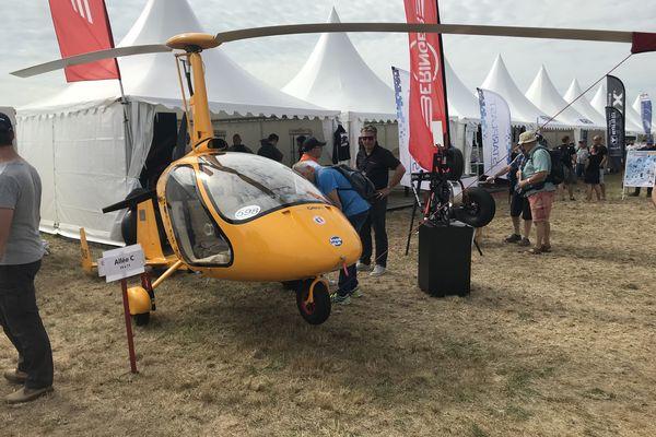 Autogire exposé à l'aérodrome Blois-Le Breuil pour le Mondial de l'ULM 2021