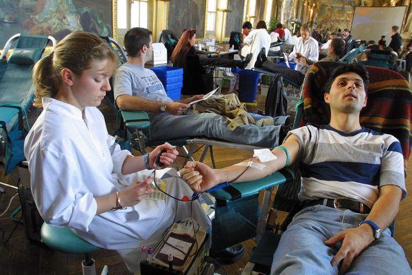 """Opération """"Mon sang pour un autre"""" dans les salons du Capitole à Toulouse"""