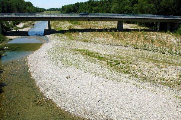 Une situation hydrique préoccupante dans les Hautes-Alpes, comme ici dans le Vaucluse où 11 communes sont reconnues en état de catastrophe naturelle