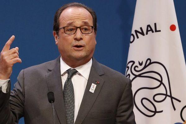 """""""Il doit y avoir des punitions qui doivent être effectuées et qui doivent être prononcées"""" a déclaré François Hollande."""
