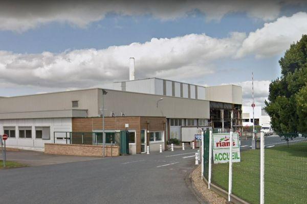 L'incendie dans un atelier de la laiterie Triballat s'est déclaré dimanche 29 décembre en fin d'après-midi.