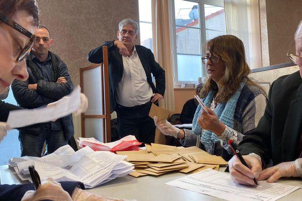 Comme en 2014, le maire sortant de Carmaux (Tarn), Alain Espié (au centre de la photo) se retrouve dans une situation de quadrangulaire au second tour.