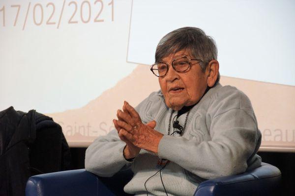 A 96 ans, Ginette Kolinka, ancienne déportée à Auschwitz continue de donner des conférences dans les établissements scolaires. Pour elle, les jeunes sont les passeurs de mémoire