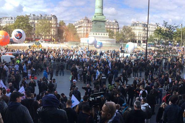 La « marche de la colère » des policiers, au départ de la place de la Bastille.