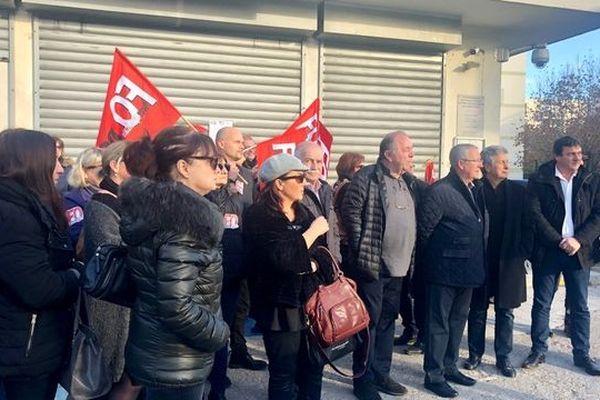 Les agents des finances publiques en grève à Ajaccio jeudi 13 décembre 2018 contre les suppressions de postes.