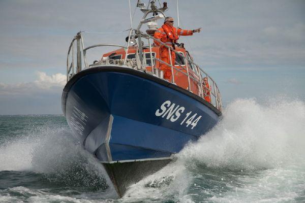 Malgré l'intervention rapide des secours, le marin-pêcheur es décédé à 15h48.