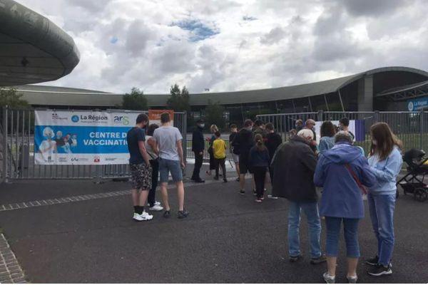 Le centre de vaccination de grande capacité actuellement situé à la Grande Halle de Cournon-d'Auvergne sera transféré vers un autre lieu à compter du 1er septembre.