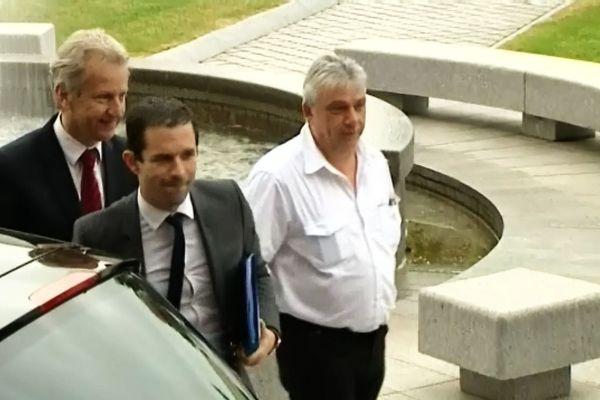 Le Ministre lors de son arrivée ce vendredi matin au Creusot, en compagnie de Philippe Baumel, députe de Saône-et-Loire