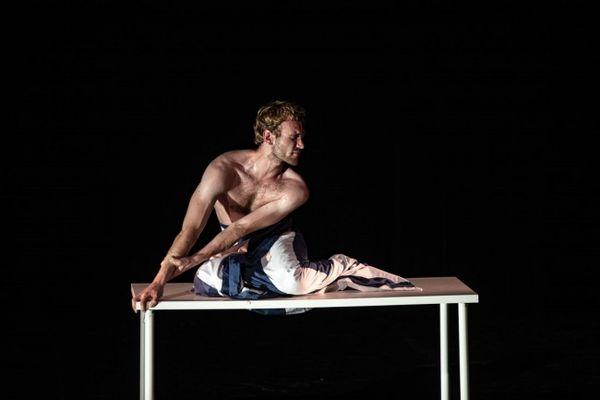 Le danseur grenoblois Hugo Rigny