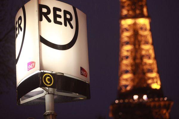 Le RER C a été interrompu à cause de la découverte d'un corps sur les voies.