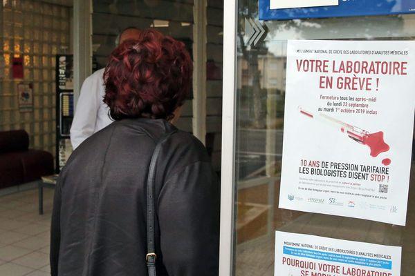 Des laboratoires d'analyse médicale ont été réquisitionnés par l'ARS pour ces trois jours de grève, du 22 au 24 octobre.