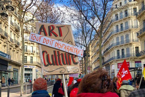 Manifestation pour la culture à Marseille le 19 janvier 2021, asphyxiée par la crise sanitaire du coronavirus SARS-CoV-2.
