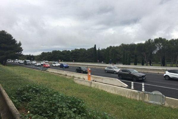 Du monde sur l'autoroute A9 ce dimanche 16 mai, après le pont de l'Ascension.