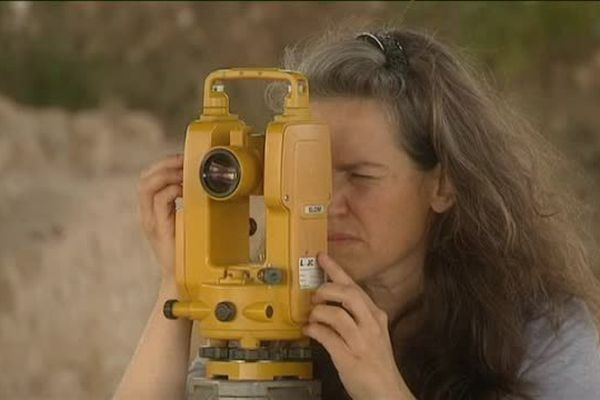 Karine Jardel, archéologue du service d'archéologie du Calvados