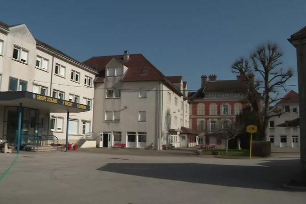 Le collège Saint-Vincent à Chatillon-sur-Seine (Côte d'Or) ce mardi matin