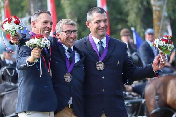 De gauche à droite : Benjamin Aillaud, Anthony Hordé et Thibault Coudry, médaillés de bronze.