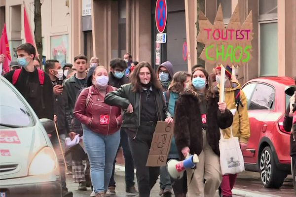 A Limoges, un cortège a rassemblé des personnels de l'Education nationale, des cheminots, des postiers et des étudiants.