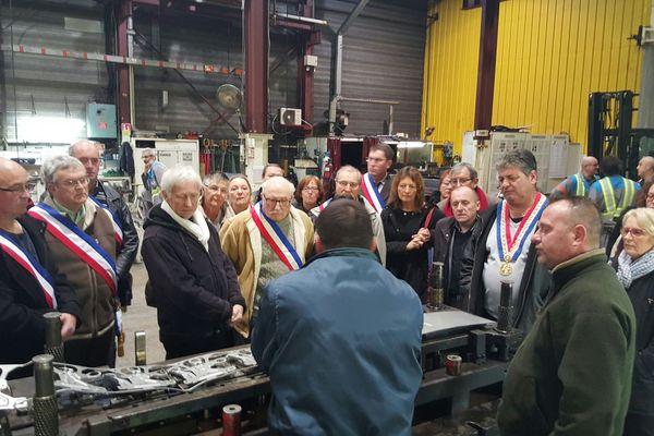 Une cinquantaine d'élus ont visité GM&S à l'invitation des syndicats
