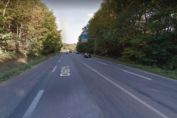 La départementale 6015 entre Gruchet-le-Valasse et Bolbec