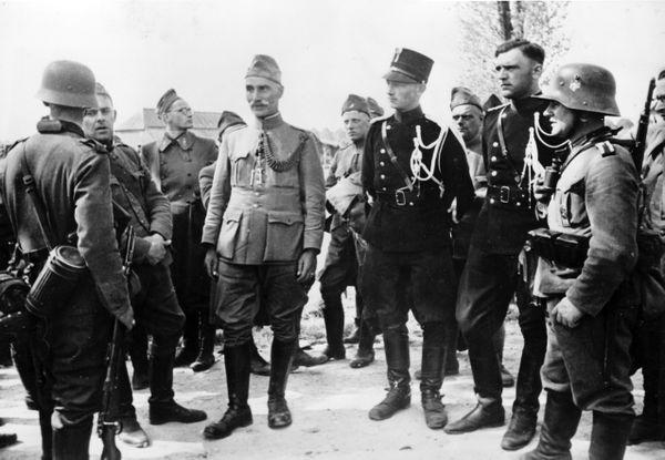 Image de propagande nazie montrant des soldats néerlandais prisonniers en mai 1940.