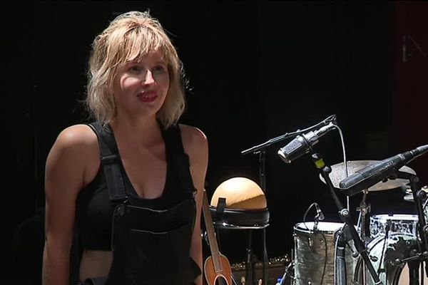 C'est en septembre prochain que la chanteuse lyonnaise doit sortir son deuxième album.