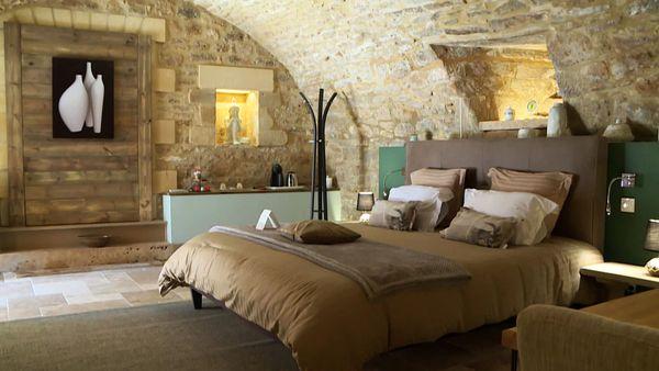 La chambre Chantepierre dans une ancienne cave voutée...