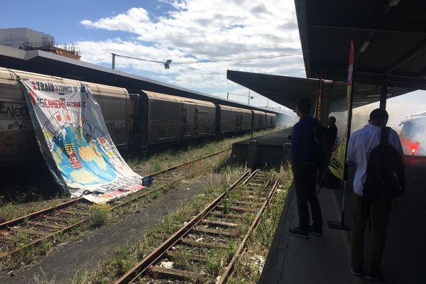 La Cheminot CGT s'impatiente et veut une reprise rapide du trafic de leur train primeur qui relie Perpignan à Rungis - 25 mai 2021