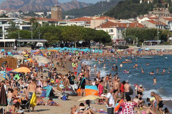 La plage de Fréjus dans le Var en juillet dernier.