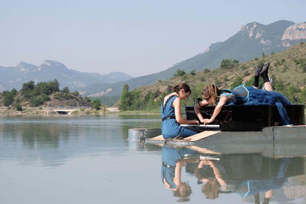 Cécile Wouters et Evelyne Zou interpréteront leur récital sur le plan d'eau de Ricquebourg