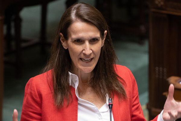 """Sophie Wilmès est première ministre """"en affaires courantes"""" de la Belgique depuis octobre 2019."""