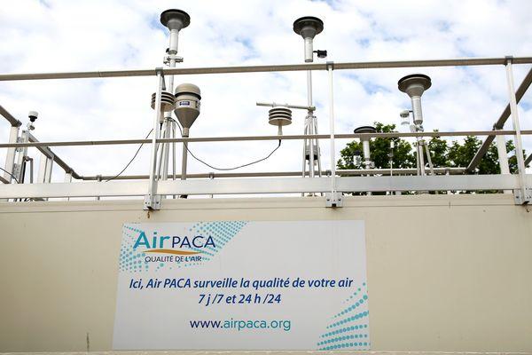 Illustration d'une station de mesure de la pollution de l'air